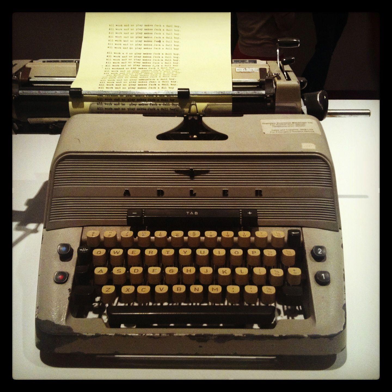 typewriter_2138